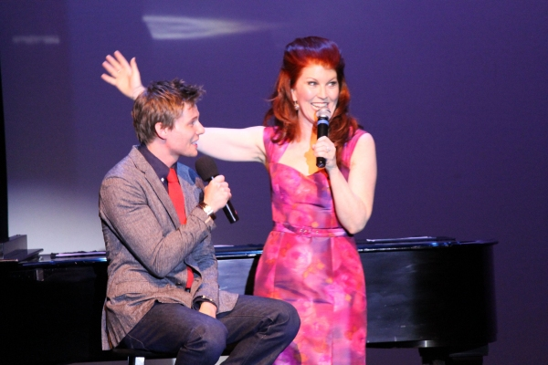 Hunter Parrish and Kate Flannery