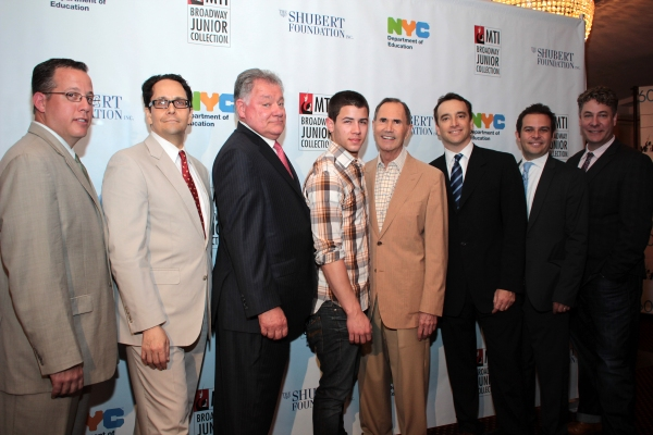 Paul King, Robert Wankel, Nick Jonas, Freddie Gershon, Drew Cohen, Peter Avery, Timot Photo