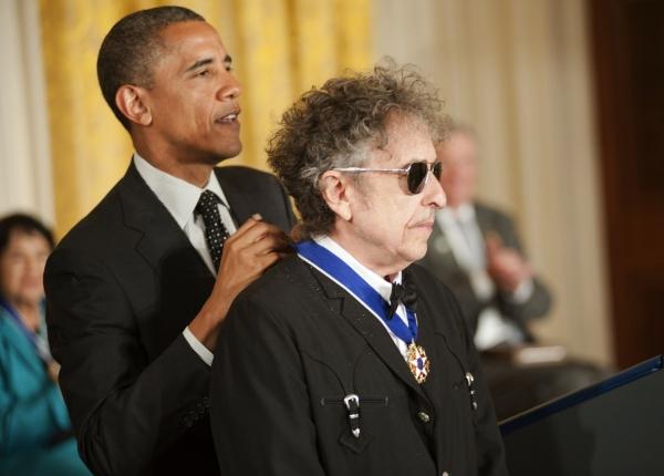 President Barack Obama, Bob Dylan at President Obama Awards Bob Dylan the Presidential Medal of Freedom