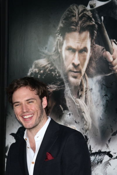 Sam Claflin at On the Red Carpet at the SNOW WHITE AND THE SEVEN HUNTSMAN Premiere