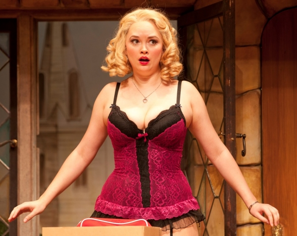 Photo Flash: Alley Theatre Presents NOISES OFF, Now thru 6/24