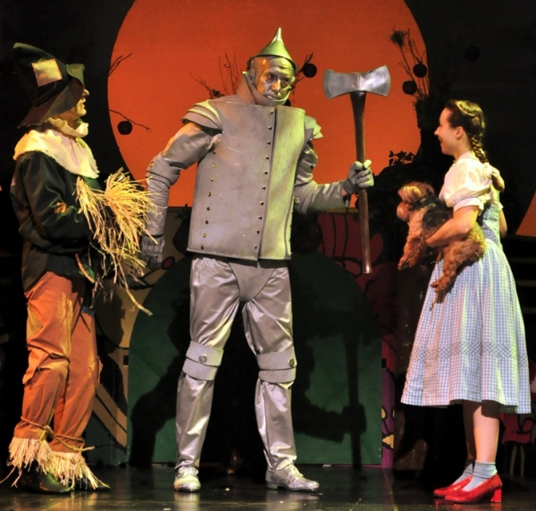 Photo Flash: Beef & Boards Dinner Theatre's THE WIZARD OF OZ Opens Tonight, 5/31