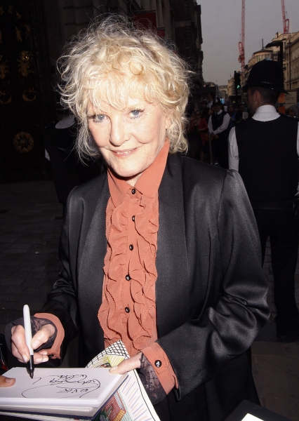Photo Flash: Michael Crawford & More Attend Queen's Jubilee Arts Party