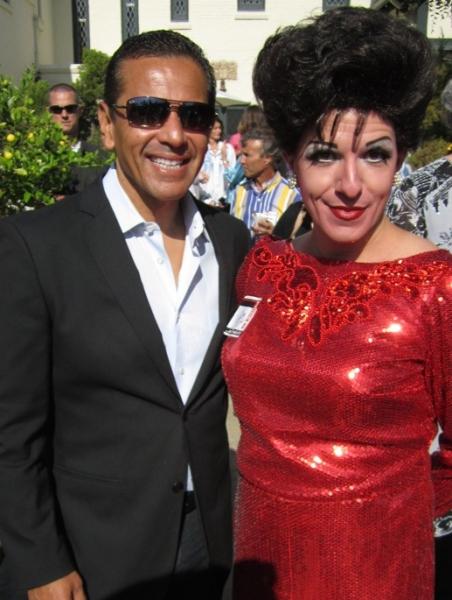 Judy Garland (Peter Mac) with Los Angeles Mayor Antonio Villaraigosa