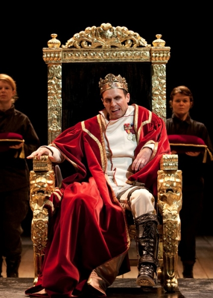 Photo Flash: The Old Globe Presents Jay Whittaker as Shakespeare's RICHARD III