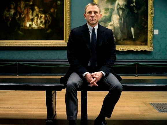 Photo Flash: Daniel Craig in New Official SKYFALL Photo