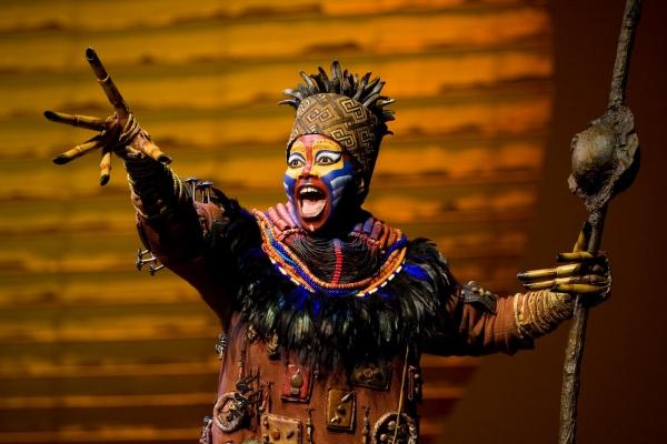 Buyi Zama as Rafiki in Las Vegas @ Joan Marcus