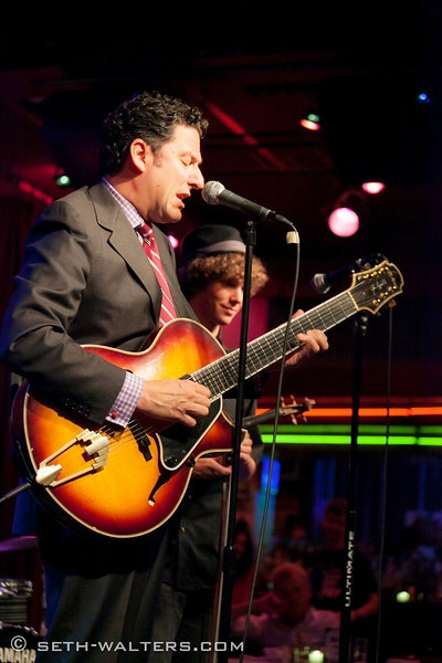 John Pizzarelli at Jeremy Kushnier Brings Solo Show to Birdland!