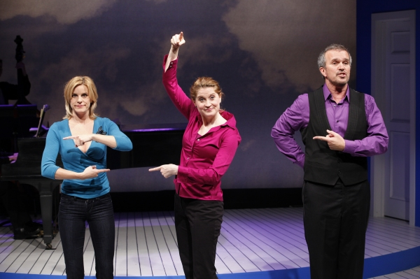 Photo Flash: First Look at Christiane Noll, Jenn Colella, and More in CLOSER THAN EVER
