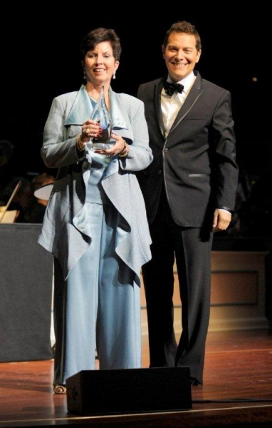 Photo Flash:  Barry Manilow, Cole Porter, et al. Inducted Into Great American Songbook Hall of Fame