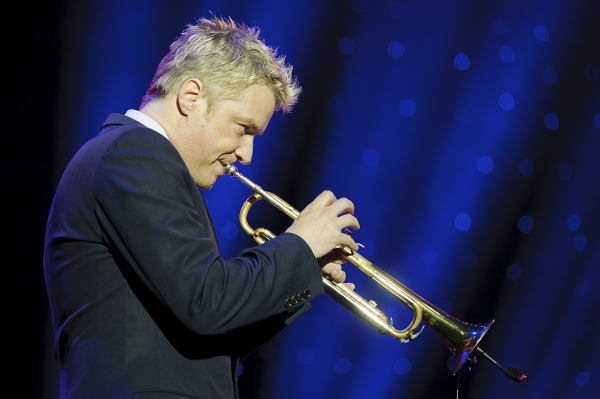 Photo Flash: Chris Botti Live in Concert