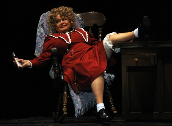 Sally Struthers at  First Look at Sally Struthers and More in ANNIE at Pittsburgh CLO