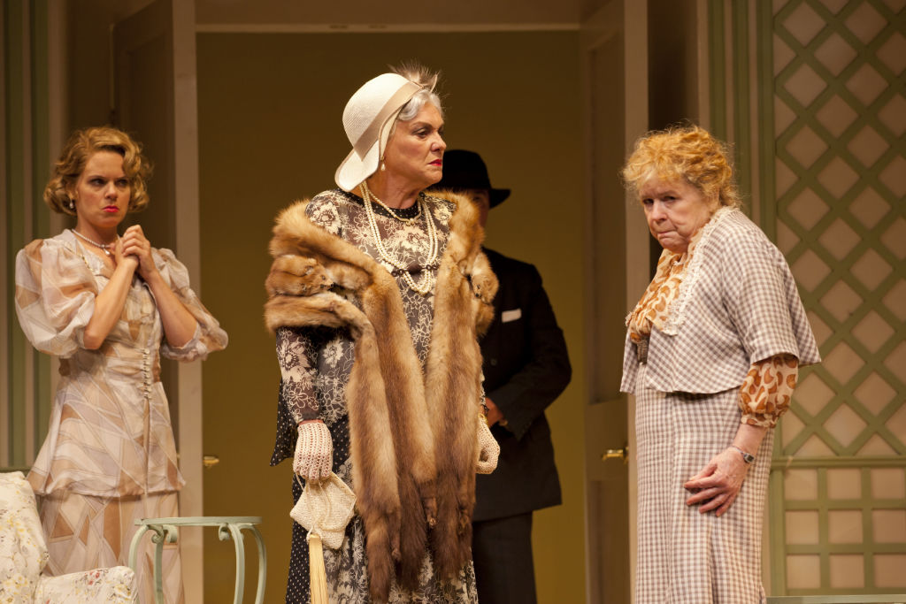 Photo Flash:  Tyne Daly, Amy Spanger and More in THE IMPORTANCE OF BEING EARNEST
