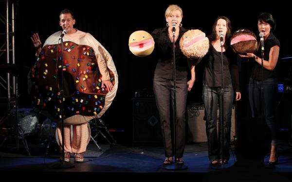 """Tom Deckman with Jane Blass, Stephanie Fittro and Jennifer Wren  """"Arnie The Doughnut"""" Photo"""
