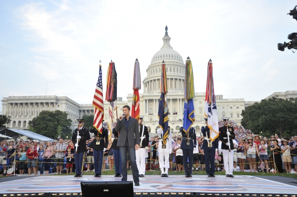 Photo Flash: Kelli O'Hara, Matthew Broderick, Megan Hilty & More in A CAPITOL FOURTH - Official Concert Shots!