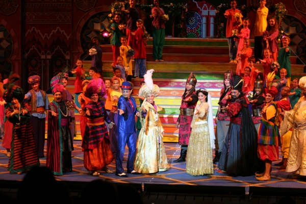 Robin De Jesus, John Tartaglia, Samantha Massell and the cast of ALADDIN!