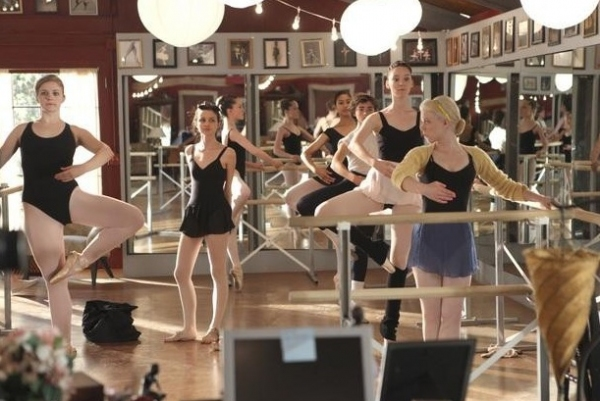 Kaitlyn Jenkins, Julia Goldani Telles, Emma Dumont, Bailey Buntain at First Look - Stills Released For 7/30 BUNHEADS Episode!