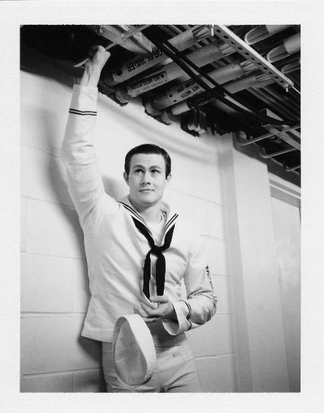 Photo Flash: Robert Petkoff Takes ANYTHING GOES Polaroid Cast Portraits