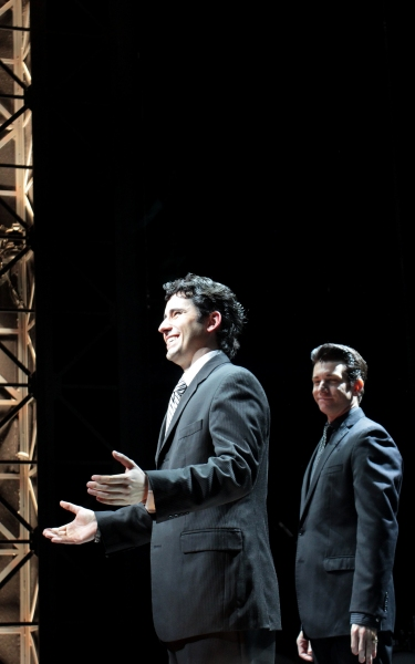 Photo Coverage: John Lloyd Young Returns to JERSEY BOYS - Curtain Call!
