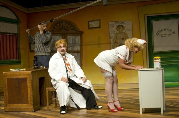 Photo Flash: First Look at Peter Michael Goetz and Raye Birk in Guthrie's THE SUNSHINE BOYS
