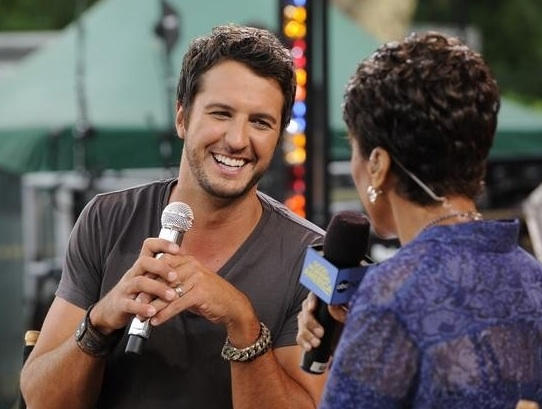 Luke Bryan & Robin Roberts at Country Music Star Luke Bryan Performs on GMA