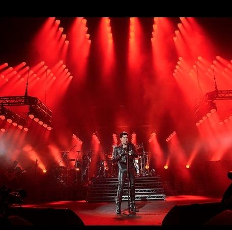 Photo Flash: Adam Lambert Performs UK Concerts With QUEEN