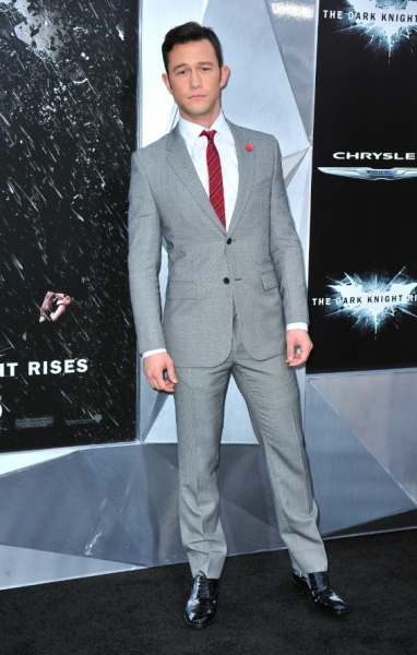 Photo Flash: Anne Hathaway, Christian Bale at 'BLACK KNIGHT' Premiere in NYC