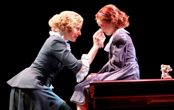 Photo Flash: First Look at Lauren Weintraub and Jacquelyn Piro Donovan in NSMT's ANNIE