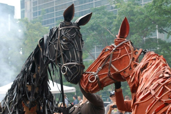 Photo Flash: WAR HORSE's Joey and Topthorn Hit the Streets of Toronto