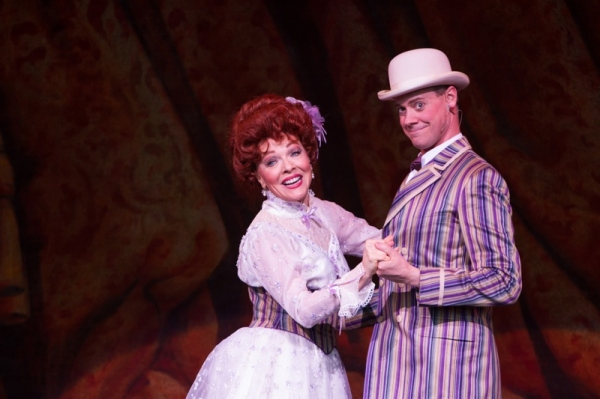 BWW Reviews: YANKEE DOODLE DANDY - Fantastic, Patriotic, Fun & Free!