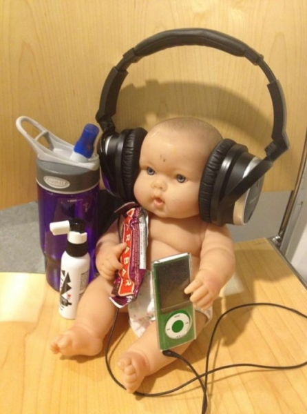 Photo Flash: Saturday Intermission Pics, July 21 - BABY CASE's Hannah Elless & More!